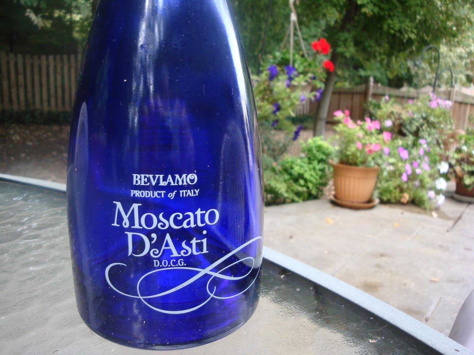 Moscato Blue Bottle