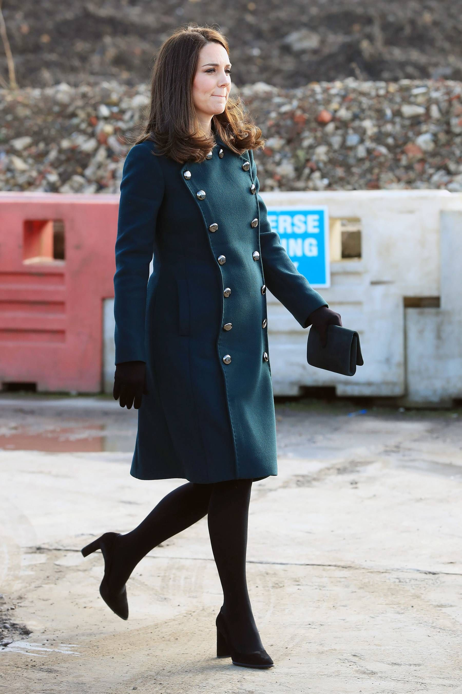 5e03d219a Kate Middleton Wears a Hard Hat — and Gets a Henna Tattoo! — at 7 ...