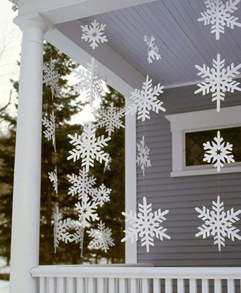 36 Awesome Outdoor Apartment Decor For Christmas Balcony