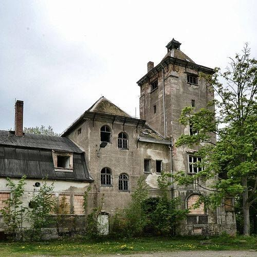 Old Abandoned Buildings, Abandoned Mansions
