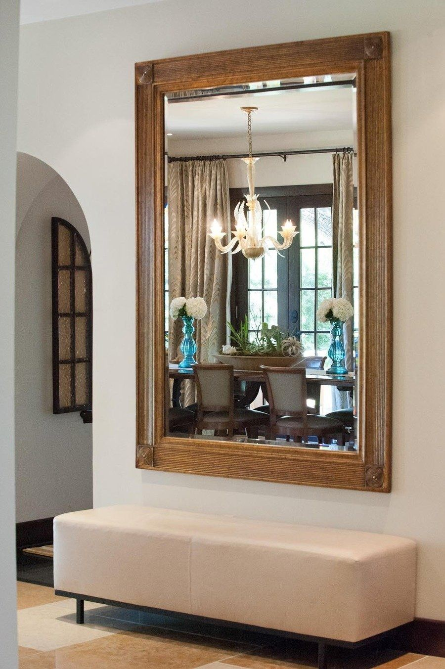 #bench, #entryway, #mirror Photography: Suzi Q - qweddings.com