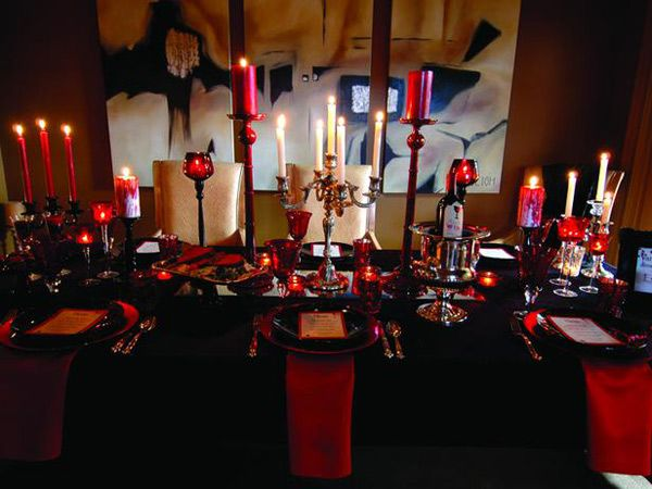 Seductive, red #Halloween decorations Party Planning  Table