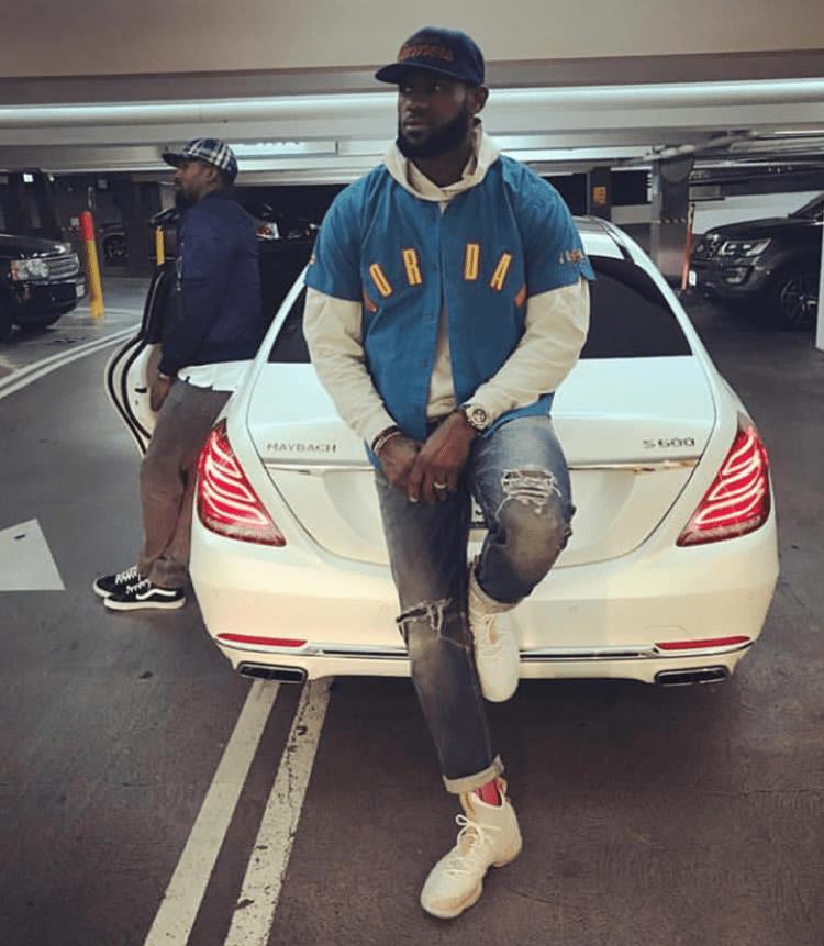 Celebrity Sneaker Stalker Nba fashion, Nba outfit, Mens