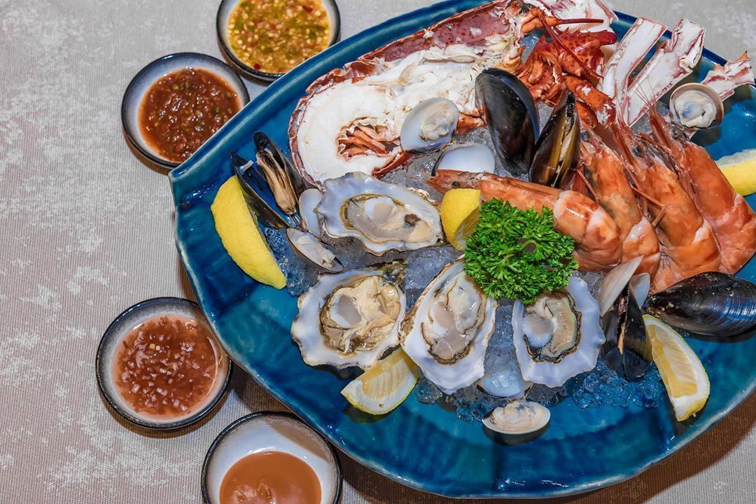 Seafood Platter 🦐🦀🦞at PRIME Steakhouse . #MillenniumHiltonBangkok #PRIMESteakhouse #Steakhouse #sotraveler #luxurytraveler #chaophrayariver #urbanexplorer #sathorn #besthotels #traveloften #luxuryhotels #instavacation #luxurydestination #luxuryhotelsworld #luxurytravel #luxuryhotel #adayinthailand #tomahawksteak #steaklover #seafood #seafoodlove #seafoodporn #lobster #seafoodtime #seafoodPlatter #beautifulhotels #bangkok #thailand #honeymoon linergie Seafood Platter 🦐🦀🦞at PRIME Steakhouse