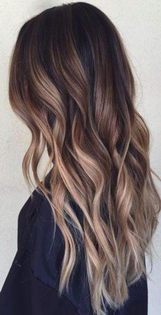 Tagli capelli lunghi: tutte le acconciature più be