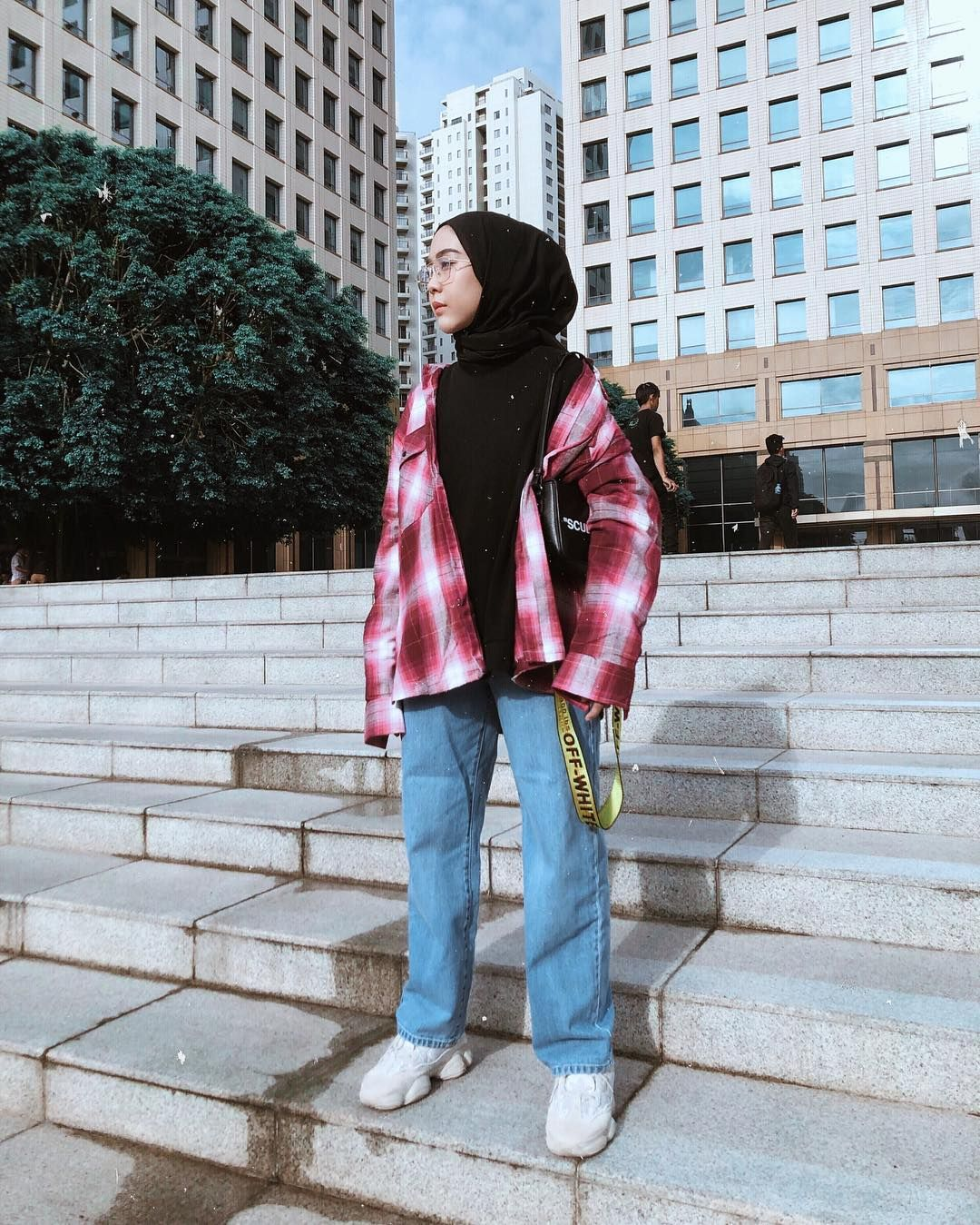 Ootd Pake Boyfriend Jeans Nya Klambigue Sukaa Bgt Boyfriend Jeans Hijab Fashion Inspiration Hijabi Fashion