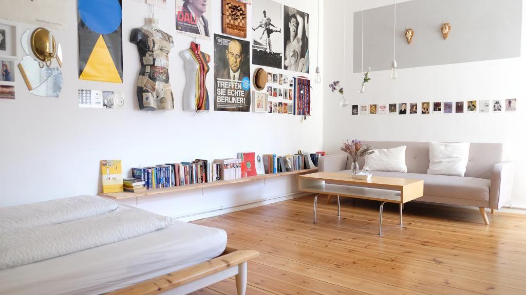 Schönes großes WG-Zimmer in Berlin Kreuzberg mit Bücherboard ...