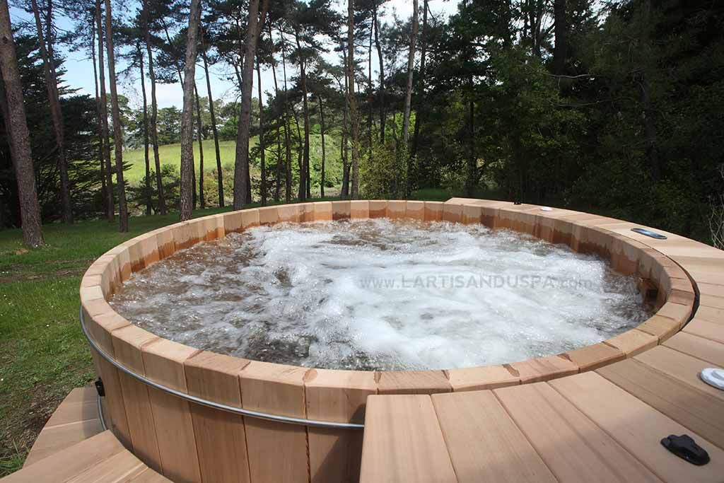 jacuzzi en bois 8 personnes 18 jets bretagne pinteres. Black Bedroom Furniture Sets. Home Design Ideas