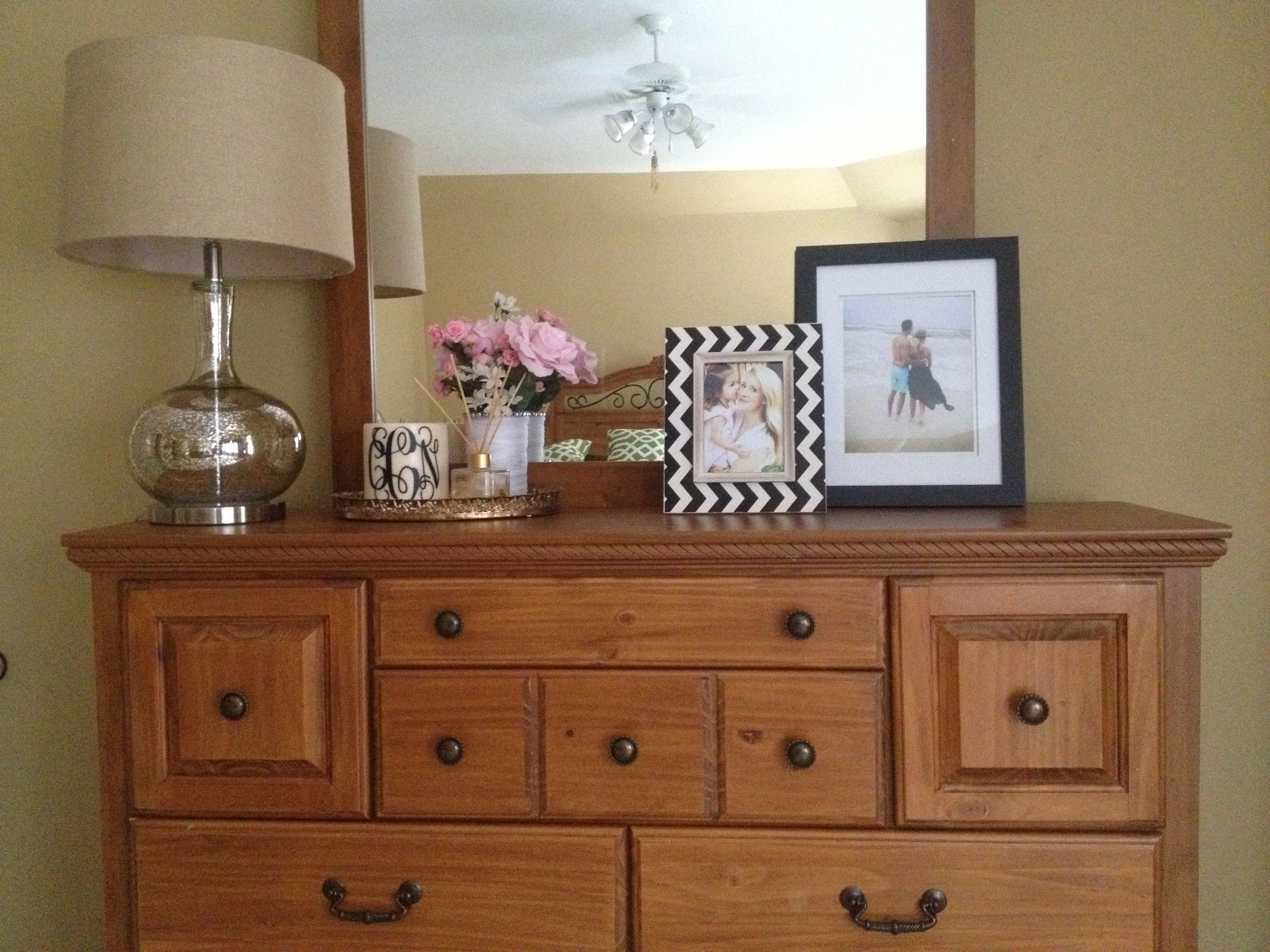 Dresser decor mybedroom no place like home Pinterest