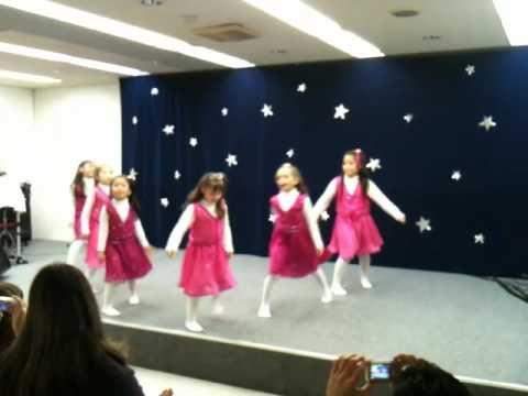 Coreografia natalina das crianças japao / 2009