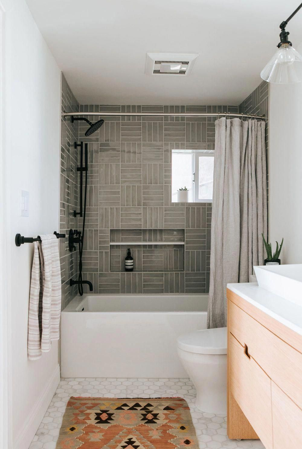 White Bathroom Ideas These 27 Dazzling White Bathrooms Provide Design Ideas For Every Person Whitebathroom In 2020 Bathroom Trends Boho Bathroom Bathroom Styling