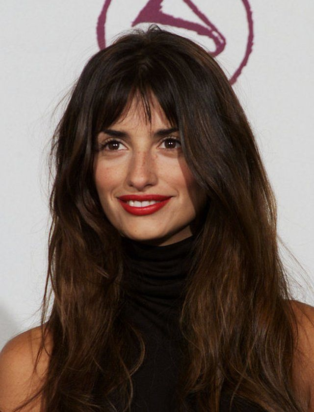 Turn Back Time on the Timeless Penelope Cruz Cheveux