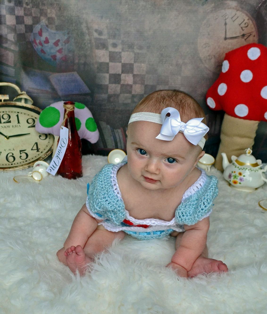 Disney photoshoot by jenna bee photography 5 month etsy baby photoshoot alice in wonderland