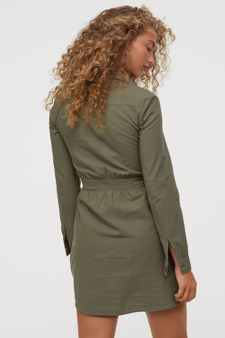 Utility-Kleid aus Baumwolle - Khakigrün - Ladies   H&M DE ...