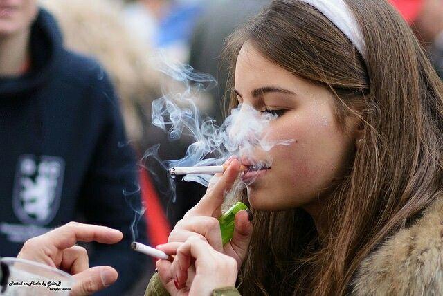 Teen smoking girls