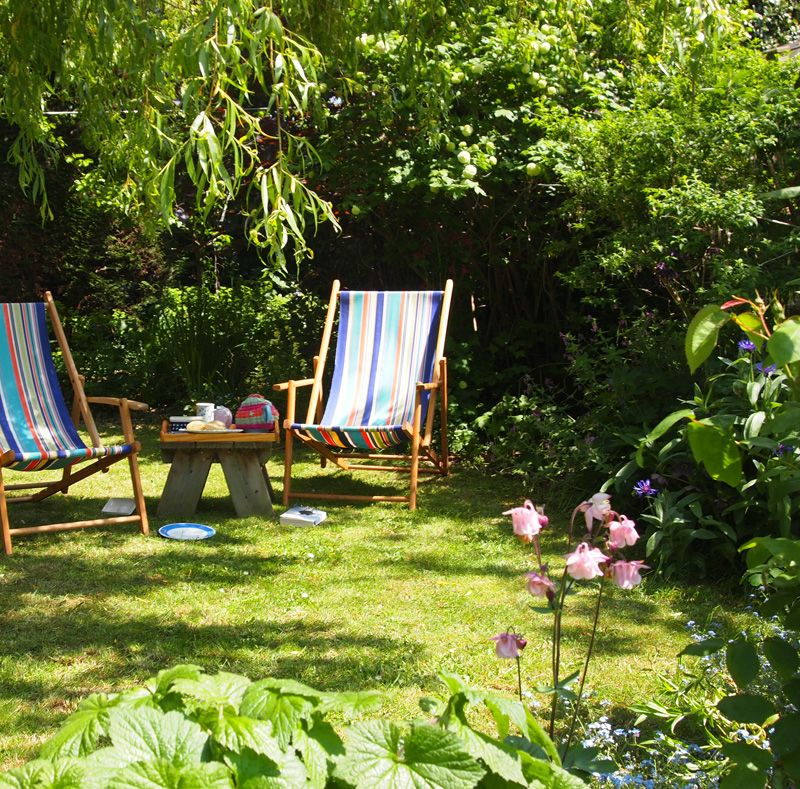 Found some time to sit and read in my garden! | Garden Inspiration ...