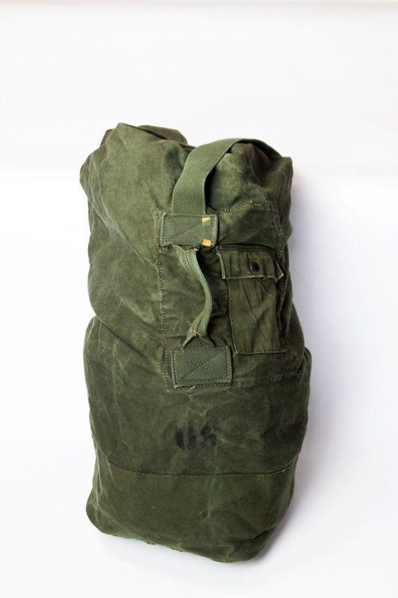 b6e615fcfb51 Vtg US  MILITARY Canvas  DuffleBag  Surplus  RuckSack  Luggage  Vietnam   DesertStorm Soldier Oversized Olive Green Over the Shoulder 60s 70s 80s