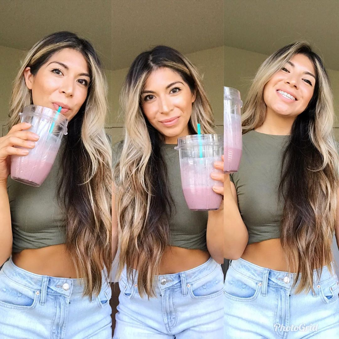 Since lately we've been spoiled with beautiful sunny days I've been on a smoothie spree my friends!...