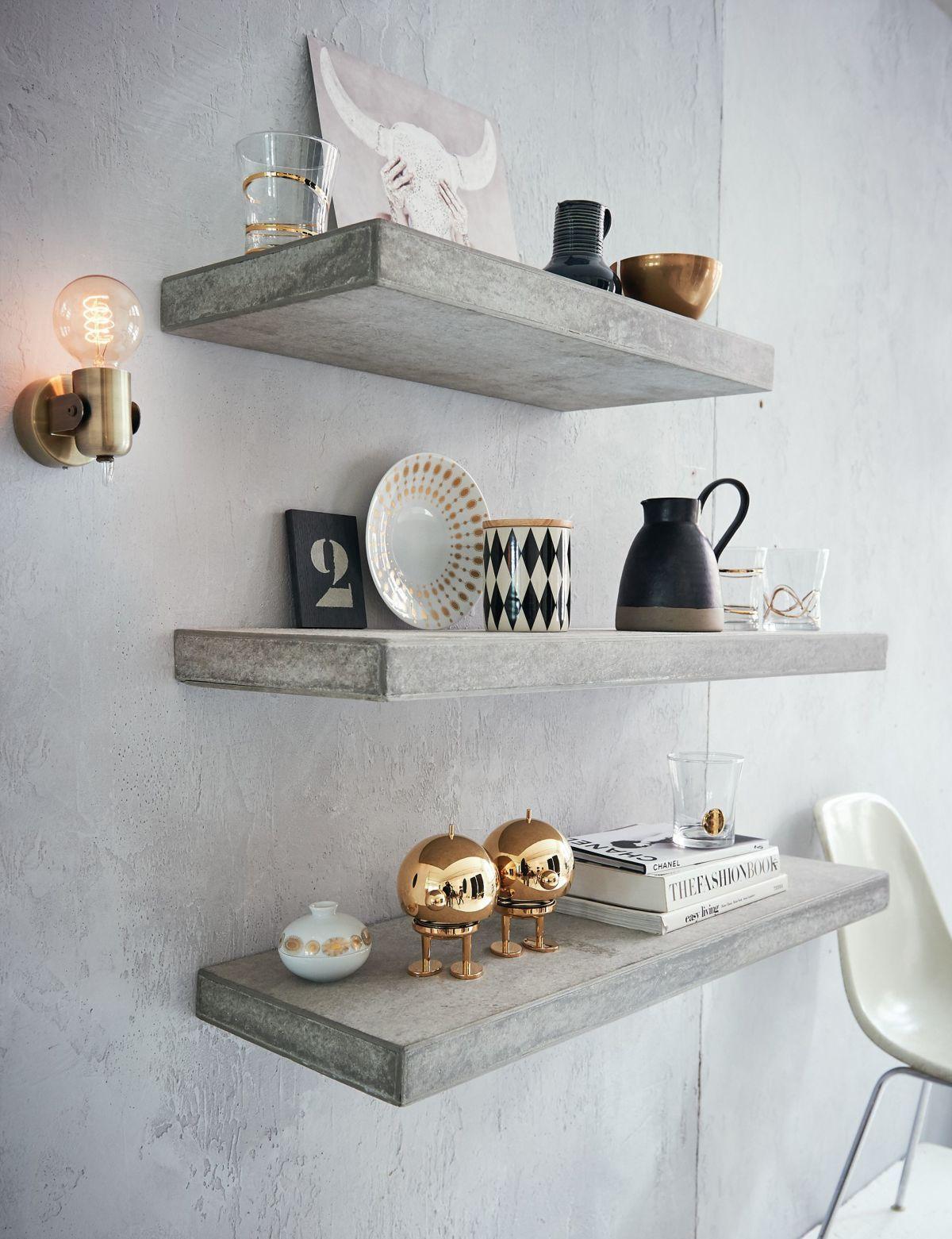 Ein Klassiker Design Wandleuchte Aus Lackiertem Messingfarbenem Metall Wandleuchte Skandinavische Wohnraume Betonoptik