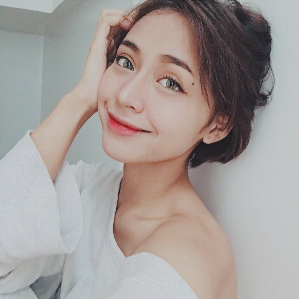 I Know My Worth I Paid Dearly For Every Ounce Of It Mnl48 Mnl48gabb Hair Inspiration Color Aesthetic Girl Short Hair Styles