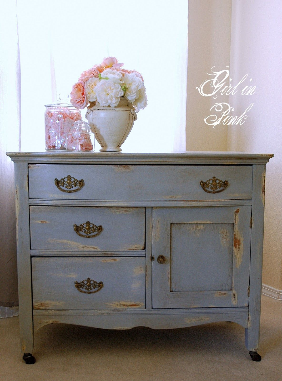 two tone painted furniture. Two Toned Paint With Wet Distress In Chalk Paint® Decorative By Annie Sloan.The Colors Are Cream And Paris Grey. Tone Painted Furniture R