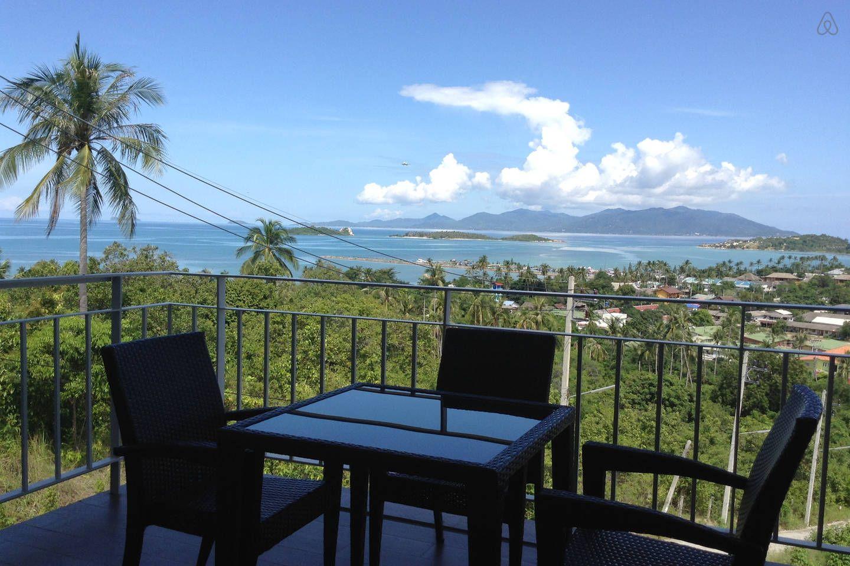 The Bay, Wat Plai Laem