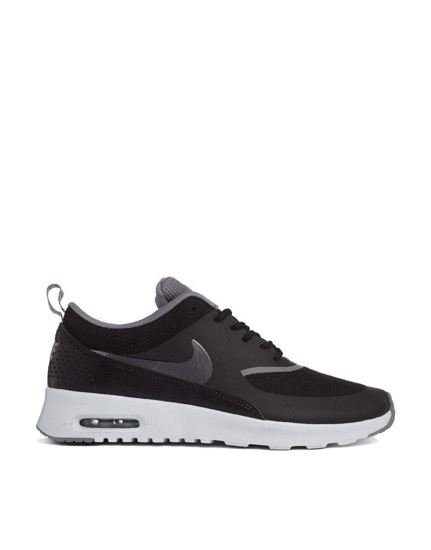 official photos cd8c3 8250d Zapatillas de deporte en negro Air Max Thea de Nike at asos.com
