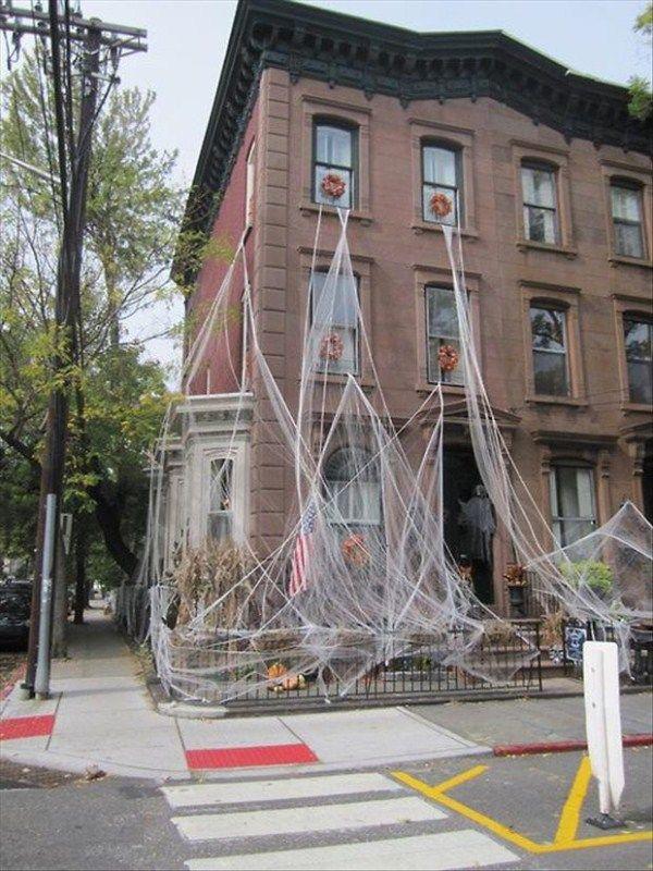 Halloween house decorations creative