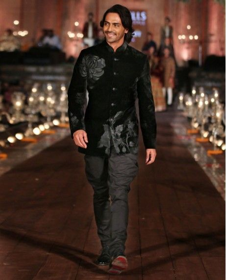 Image result for arjun rampal traditional clothes