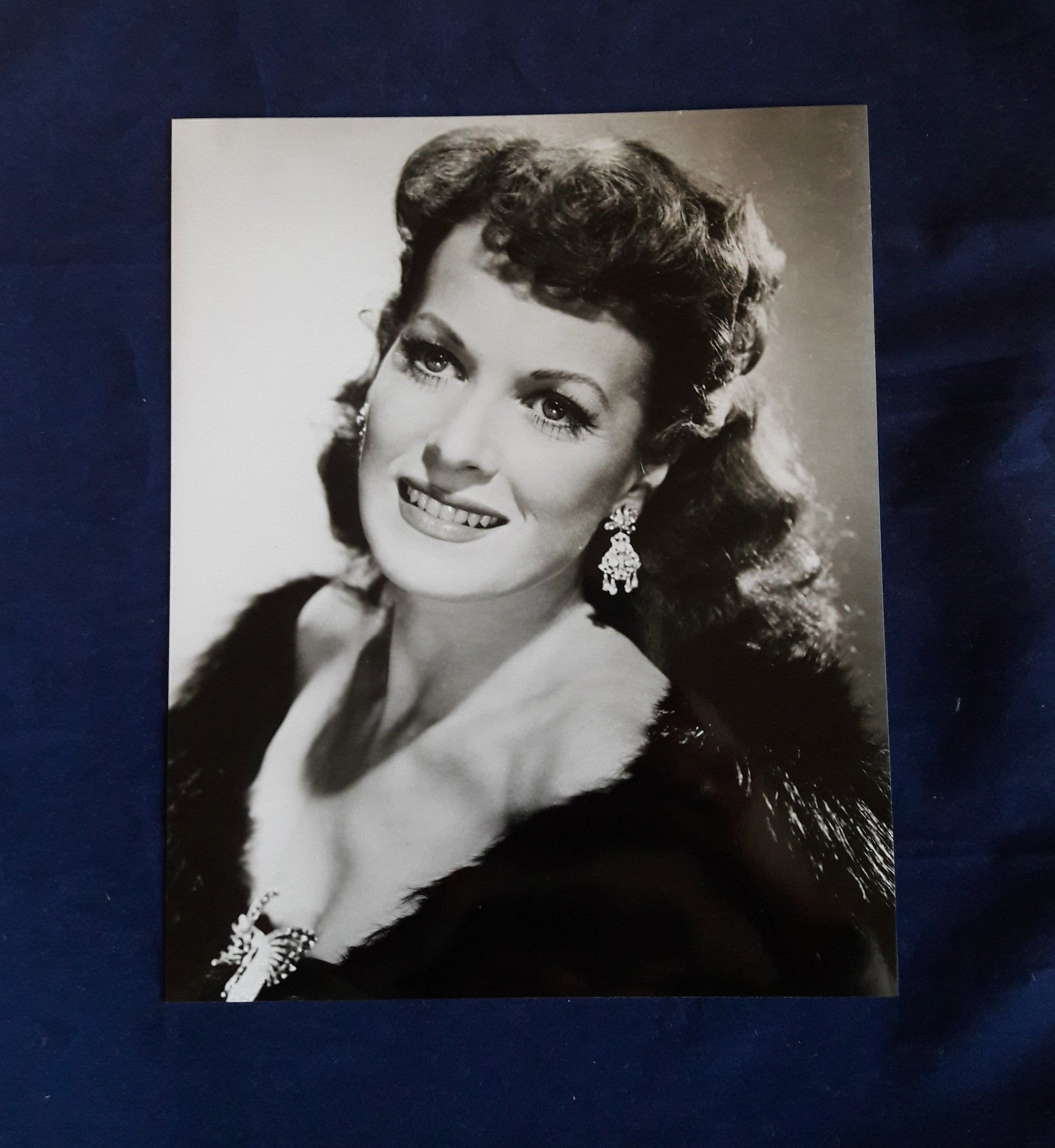Maureen O'Hara | Vintage Black and White 8 x 10 glossy Photograph | Golden Age of Hollywood Actress | Unframed Photo #hollywoodgoldenage