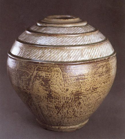 Shimaoka Tatsuzo (1919-2007) was a mingei potter who studied under Mingei founder Shōji Hamada, and later became the second Living National Treasure of the famous pottery town of Mashiko. Mashiko was badly affected by the 2011 earthquake, which caused damage to homes and kilns.