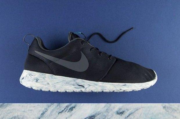 Nike Roshe Run QS