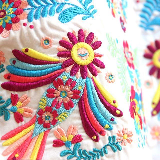 Ay ay ay   1, 2, 3 probando!    #bordados #embroidery #nature #carpintos #textile #surfacespatterns #dscolor #dsflowers #dspattern   Un proyecto junto a @brothermoda ❤️   Desliza para ver mas fotos