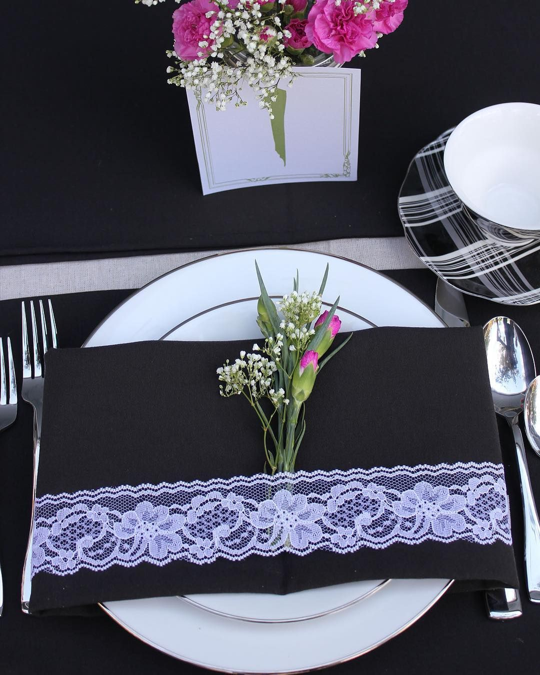 Fall Is In Full Swing Create Autumn Wedding Or Holiday Tablescapes That Your Guests Will Instag Wedding Table Linens Wedding Table Decorations Wedding Table
