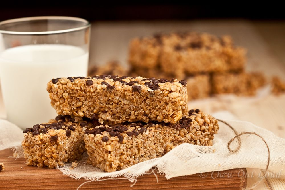 Chewy Chocolate Chip Granola Bars - Chew Out Loud