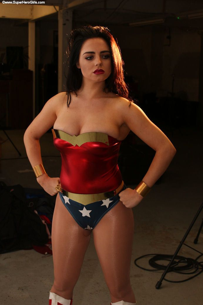 wonder woman porn with only girls