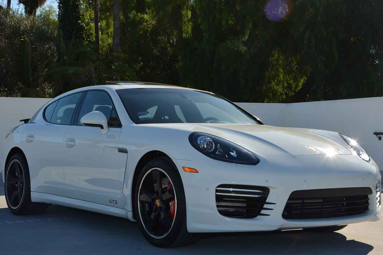 Rent Porsche Panamera From Be Vip Luxury Car Rental In Dubai And Discover Why This Ground Breaking Sports Porsche Panamera Luxury Car Rental Porsche Sports Car