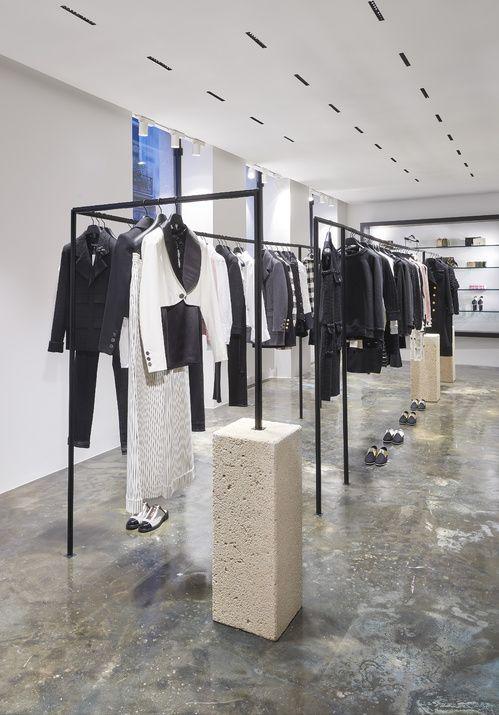 Hot spot   Chanel ouvre ses portes dans le Marais   Pinterest   Shop ... a7840e9c973