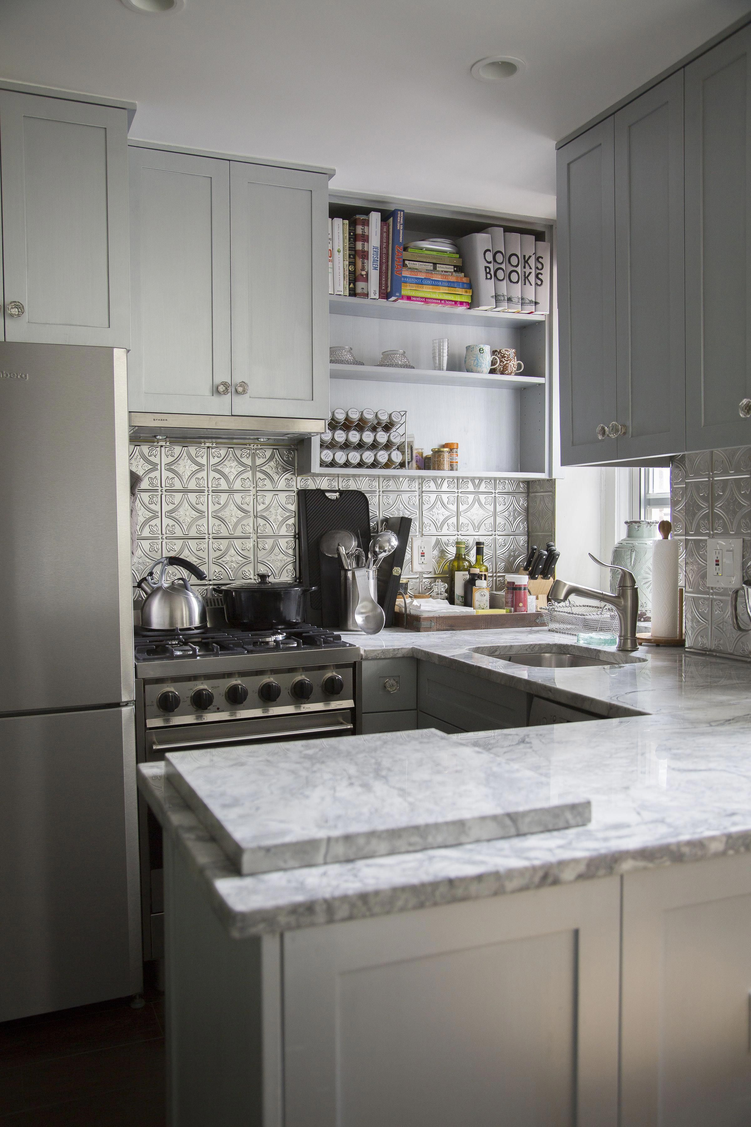 The Kitchen Cabinet Paint Is Benjamin Moore Metallic Silver 2132 60 The Ceiling Paint Is Kitchen Design Small Kitchen Remodel Small Studio Apartment Kitchen