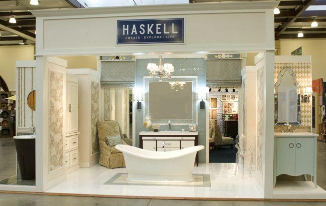 Bath Tub Display Retail