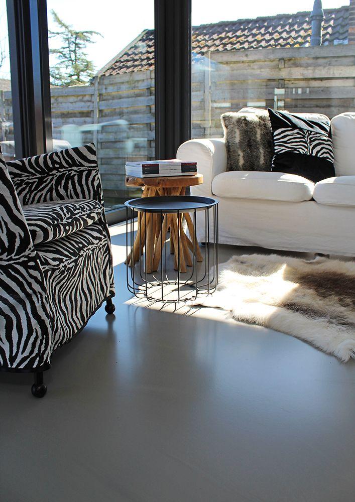 Gietvloer woonkamer Woudrichem betonlook serre aanbouw materialen ...