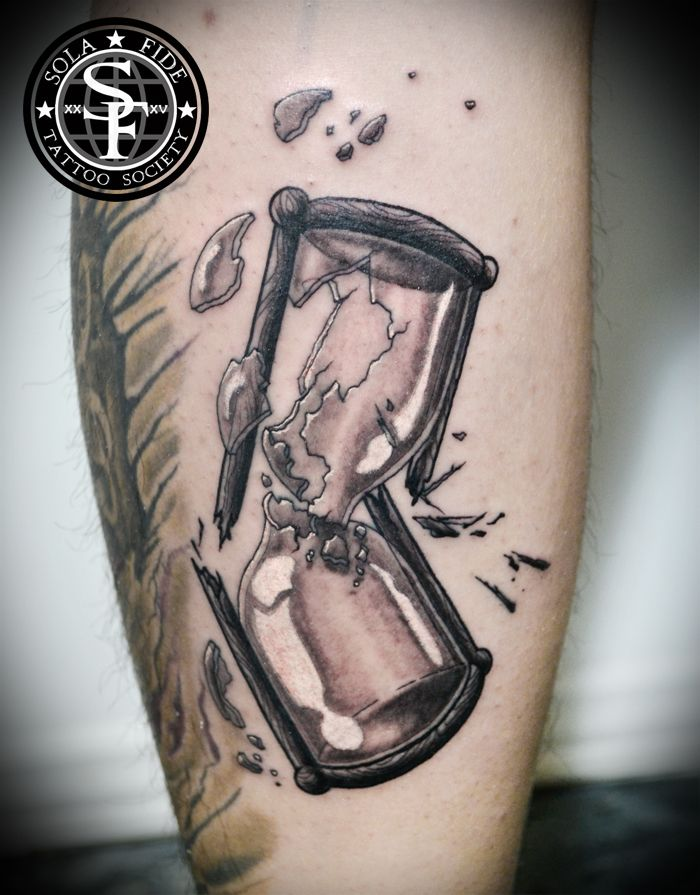 broken hourglass tattoo black and gray tattoo sola fide tattoo society black cloud tattoo. Black Bedroom Furniture Sets. Home Design Ideas