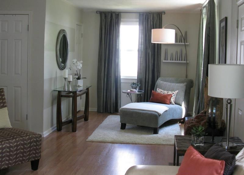 18 Pictures With Ideas For The Layout Of Small Living Rooms Page 4 Of 4 Awkward Living Room Layout Small Living Rooms Living Room Furniture Layout