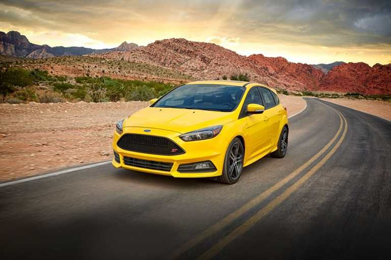 Focus ST body kit with lower valances and rocker moldings
