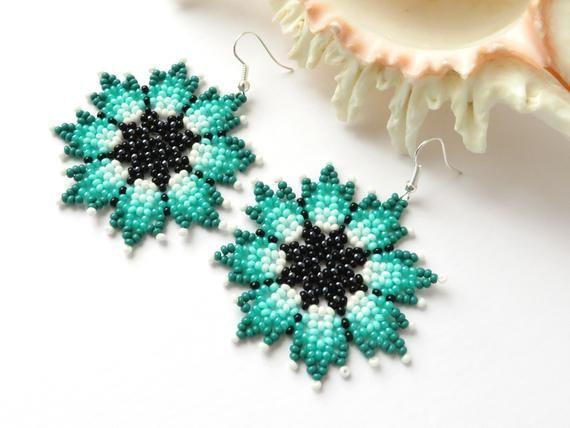 Turquoise flower earrings Huichol earrings Native Mexican earrings Seed bead earrings Beaded flowers Hippie Boho earrings Circular earrings