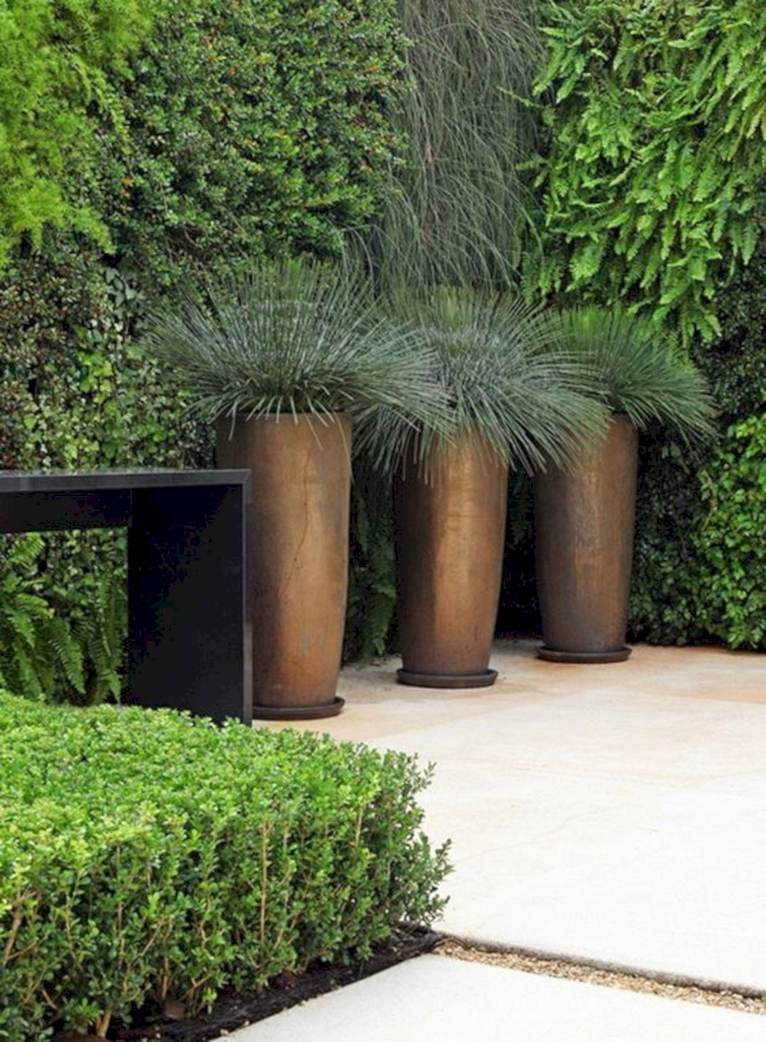30 Best Contemporary Outdoor Planters Design For Beauty Home Ideas #contemporarygardendesign