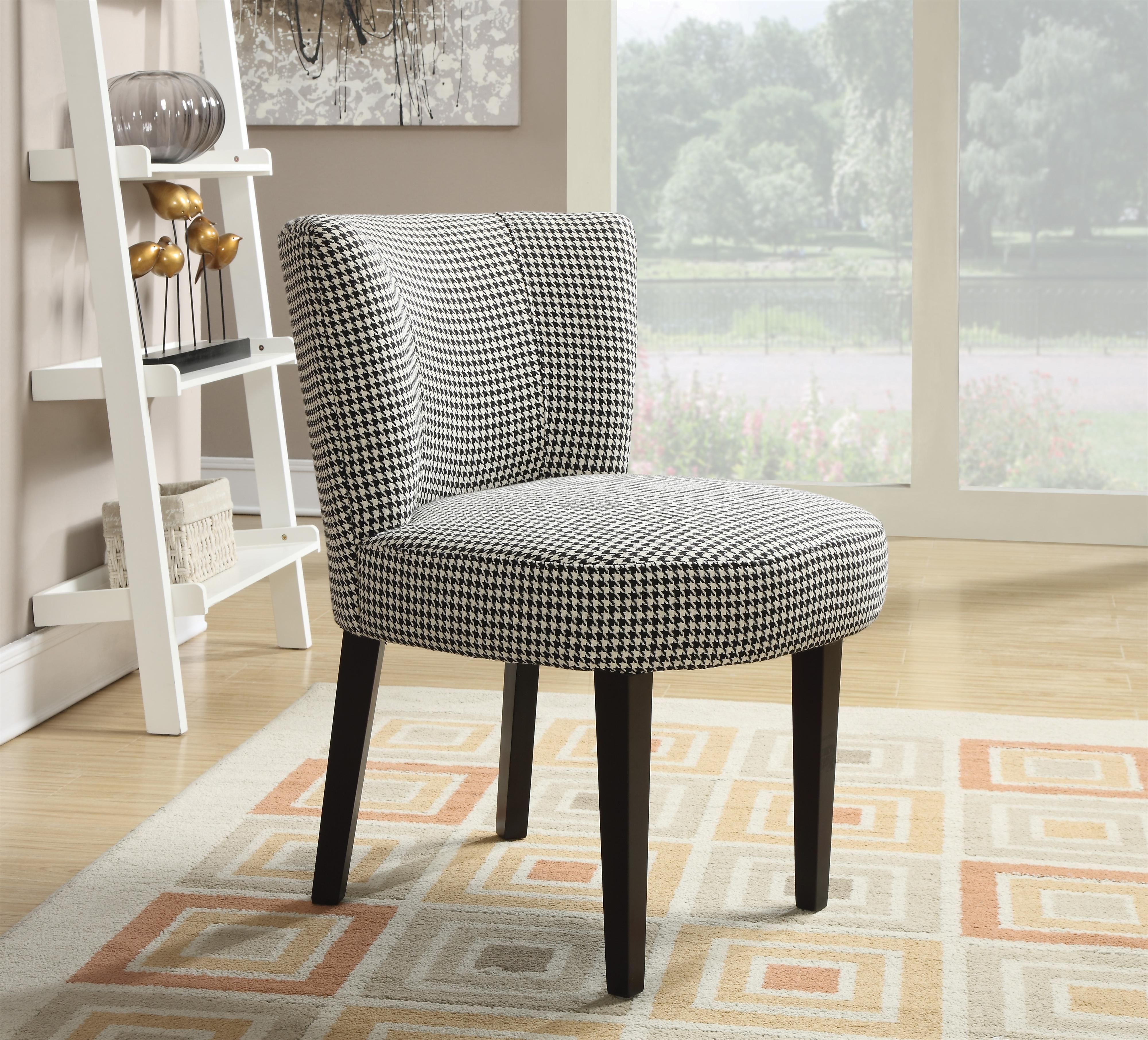 Best With A Classic Black And White Houndstooth Fabric This 400 x 300