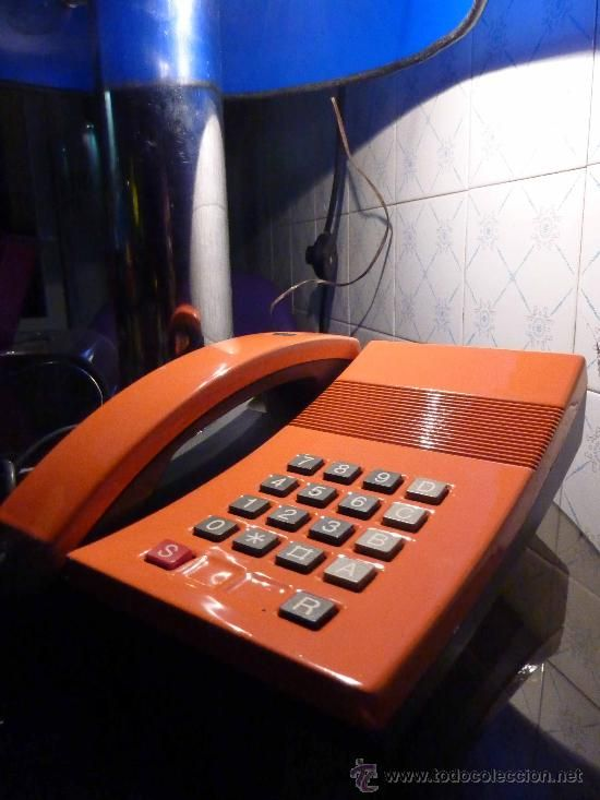 TELEFONO SOBREMESA TECLAS DESIGN JACOBSEN