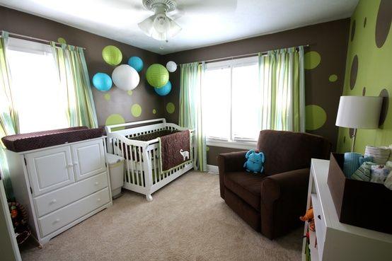 Babyzimmer In Braun Grün Farbkombination Papierlaternen