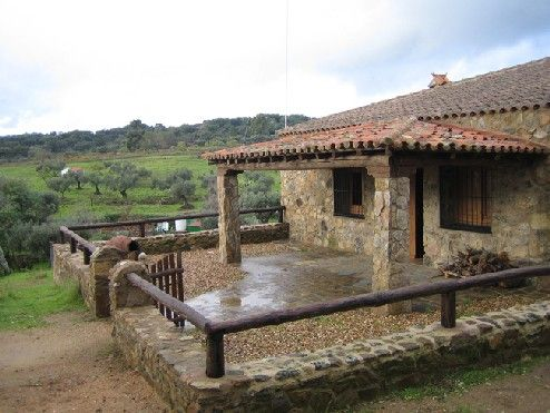 M s fotos de r sticos estilo r stico jard n piscina - Paginas de casas rurales ...